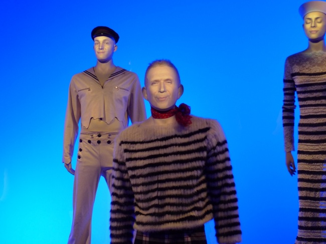 Animated model mannequins