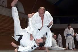 Putin flips a docile Black belt