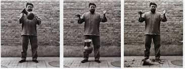 Ai Wei Wei Dropping a Han Dynasty Urn, 1995