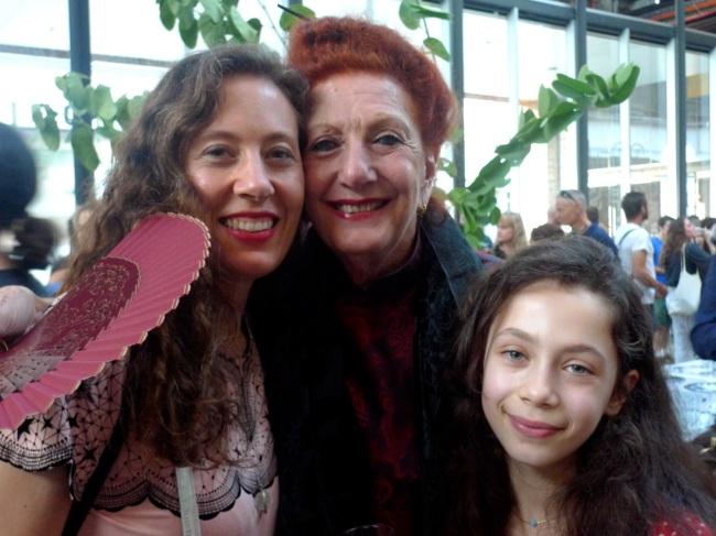 Aura and Hannah Satz and Leila Edelsztalin