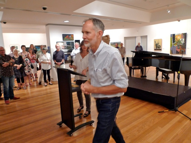 mike-blewitt-coffs-coast-local-art-prize-winner-guy-gilmour